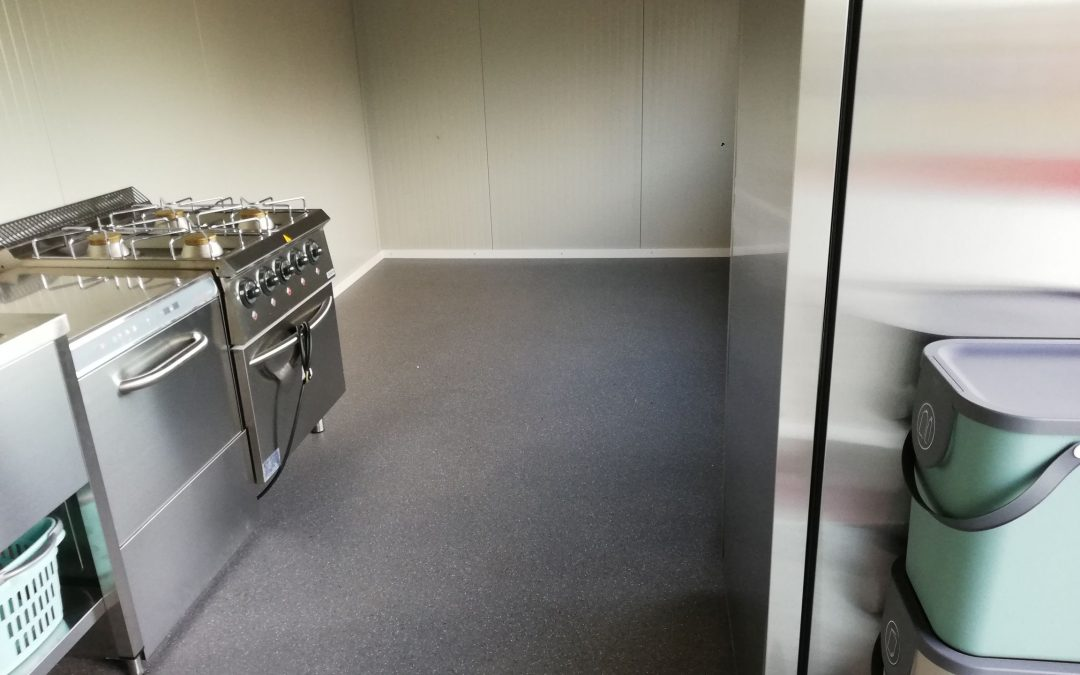 Die Tiny Kitchen entsteht – Einrichtung